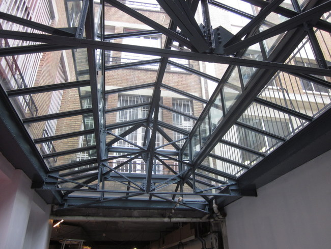 Concepteur et fabricants de verrières et ateliers d'artiste en acier et fer forgé